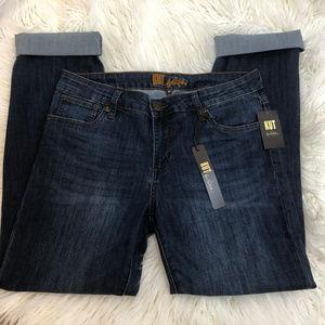 NWT Kut from Kloth Boyfriend Jeans .Sz 10